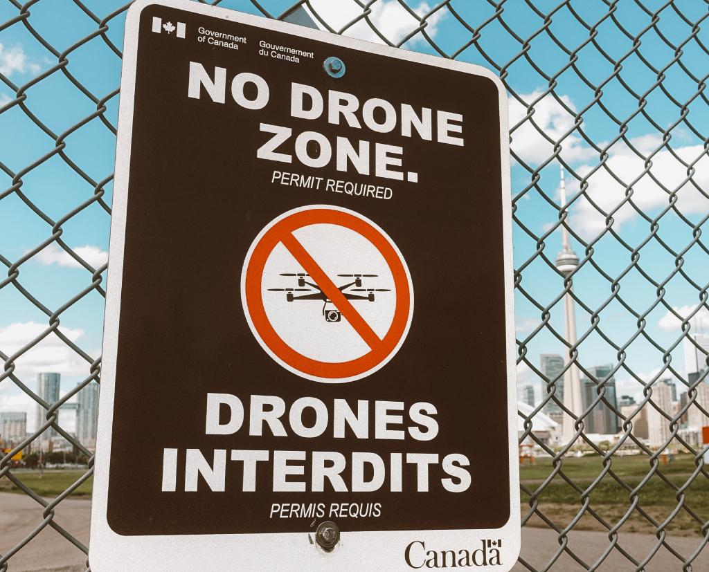 Warning metal signs