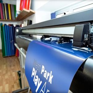 plotters cutting vinyl